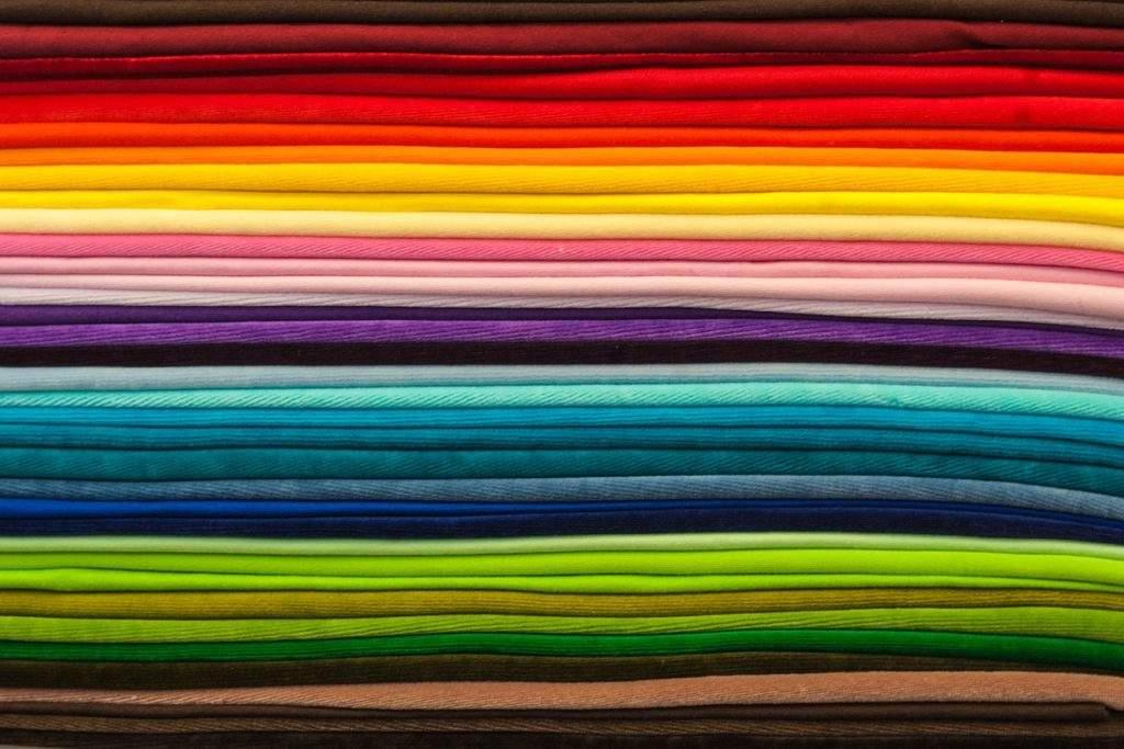 Fabrics 548716_1280-1024x683